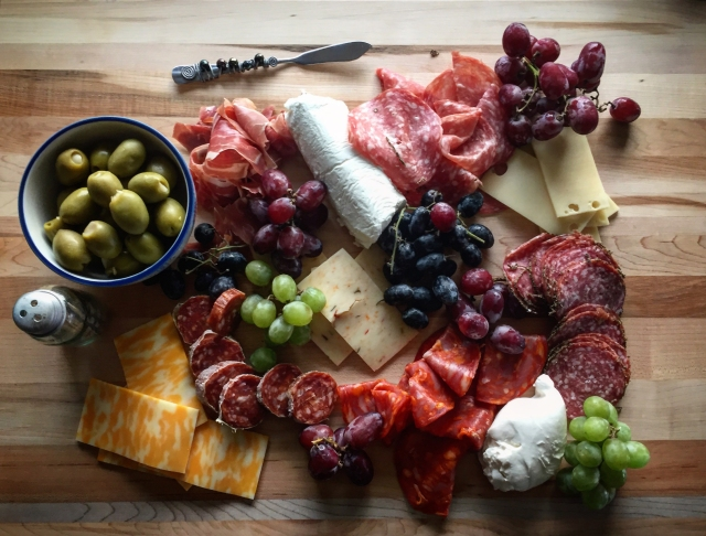 californ-ia-charcuterie-board
