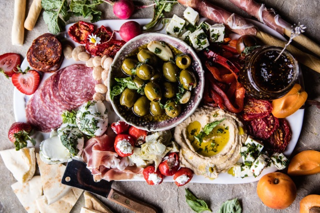 greek-inspired-antipasto-platter-1-2